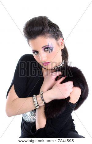 Chica de restricción en negro