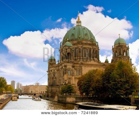 Berlin dome from the riverside