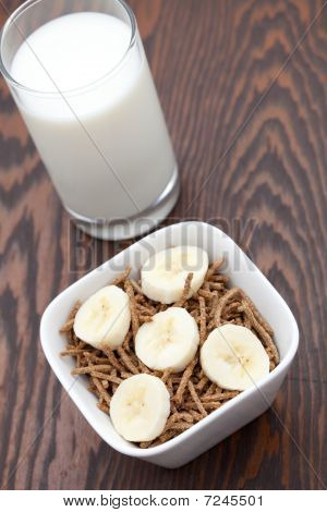 Healthy Breakfast Of Bran And Sliced Banana