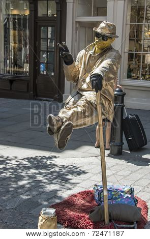 London, England - July 29Th 2014: Street Performer In Londons Covent Garden