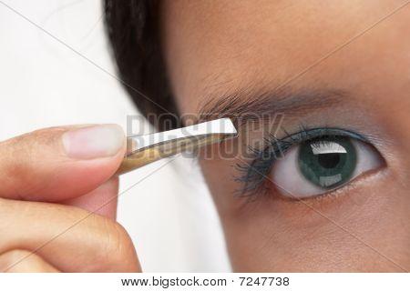 Using Eyebrow Tweezer