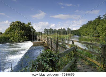 Presa sobre el río Avon, Hampshire