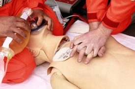 foto of resuscitation  - resuscitation performed by health care professionals to dummy - JPG
