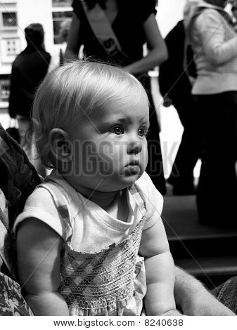 a child watching a show