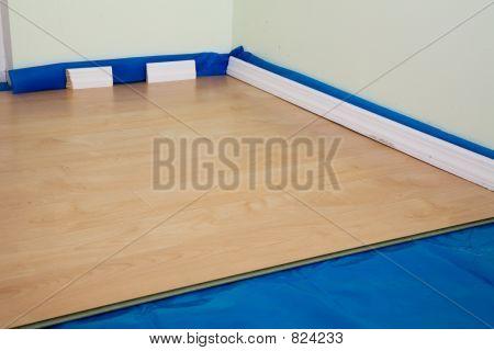 DIY project: half finished laminate floor