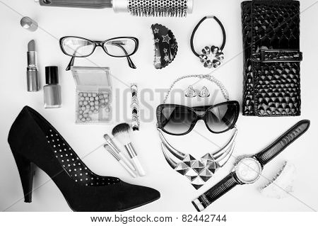 Outfit of business woman in office in black and white