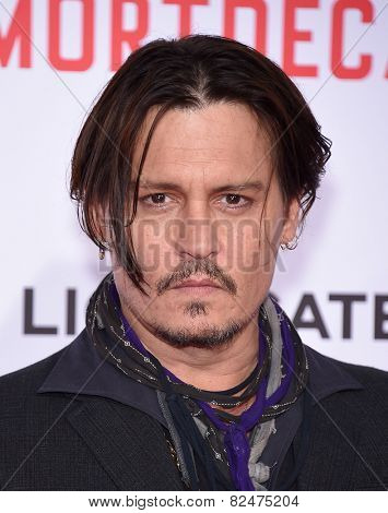 LOS ANGELES - JAN 21:  Johnny Depp arrives to the