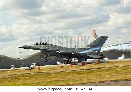 Farnborough Airshow 2010 - F16 Fighting Falcon