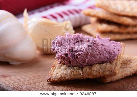 Wheat Crackers With Cream.