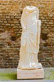 picture of mausoleum  - Mausoleum of Caecilia Metella Via Appia - JPG