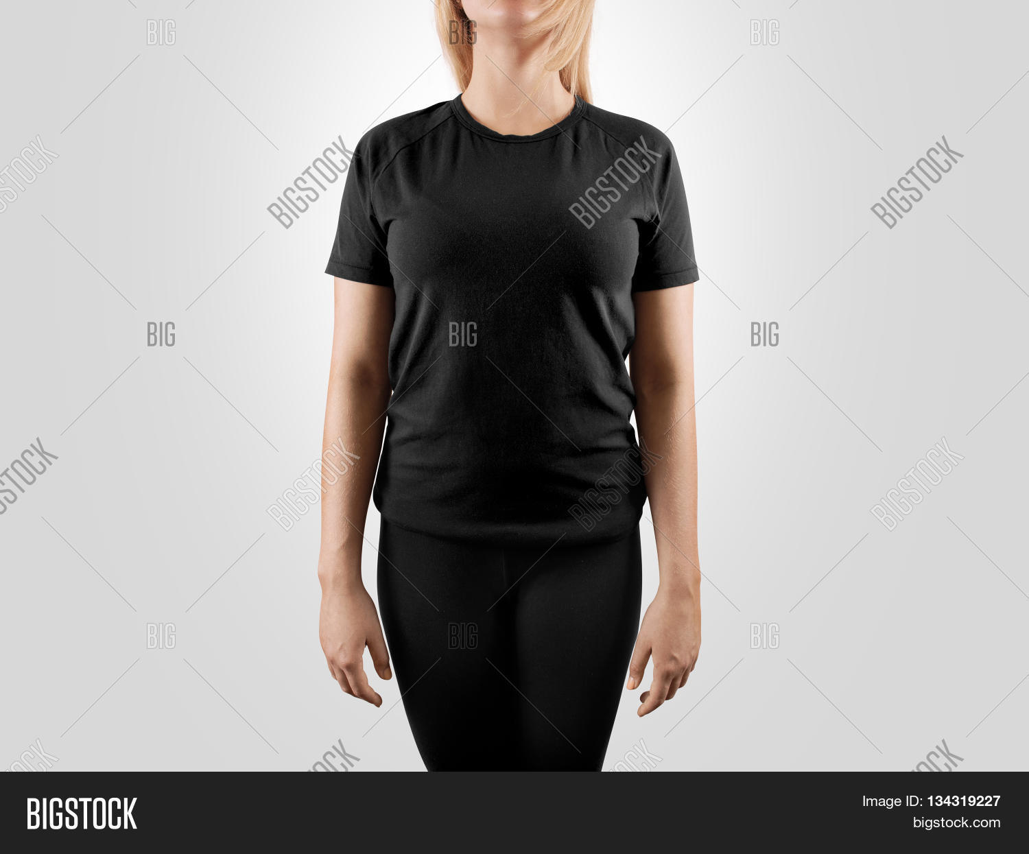 Black t shirt mock up - Blank Black T Shirt Design Mockup Isolated Women Tshirt Clear Template Front Mock