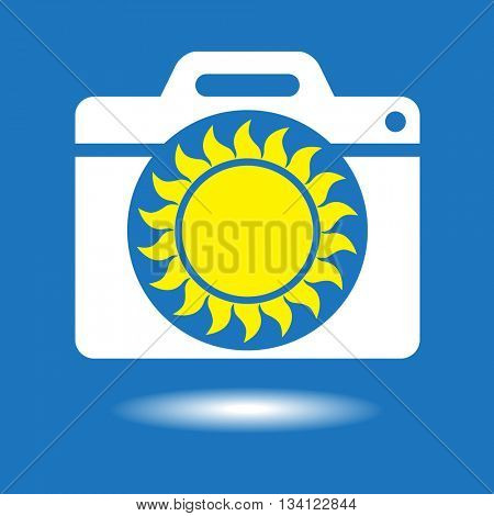 Camera icon with the sun in the lens. File is saved in AI10 EPS version.