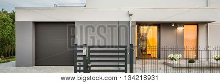 New Design Villa With Garage