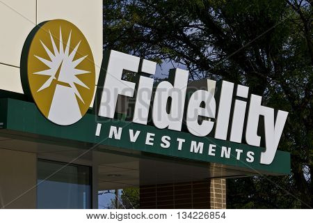 Indianapolis - Circa June 2016: Fidelity Investments Consumer Location. Fidelity is the Fourth Largest Mutual Fund Group in the World