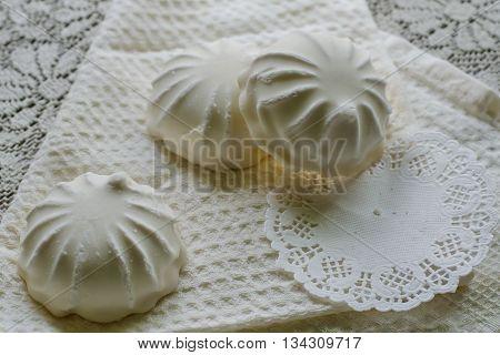 Glazed Vanilla-flavored Zephyr