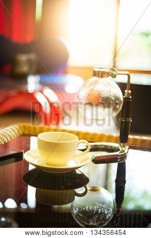 Coffee Cup And Siphon Vacuum Coffee Maker