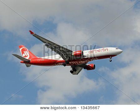 Air Berlin Airbus A-330 Landing In Miami