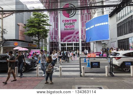 BANGKOK THAILAND - MAY 29 : crowd walk across crosswalk at Digital Gateway in siam square on may 29 2016 thailand. siam square is famous shopping place of Bangkok