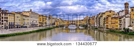 Ponte vecchio by cloudy, Florence or Firenze, Italia
