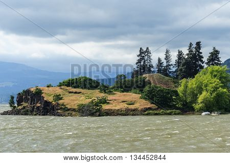 Island At Columbia River Gorge, Pacific Northwest, Between Oregon And  Washington