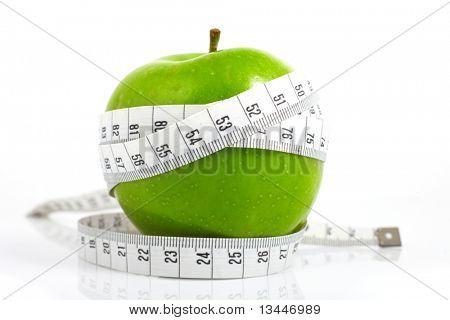 Maçãs verdes medido o medidor, maçãs de esportes