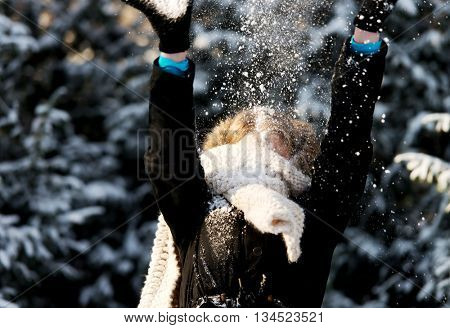 Woman is defending herself playing snowball fight