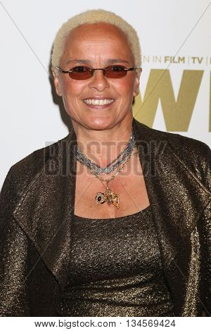 LOS ANGELES - JUN 15:  Shari Belafonte at the Women In Film 2016 Crystal and Lucy Awards at the Beverly Hilton Hotel on June 15, 2016 in Beverly Hills, CA