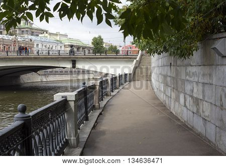 Embankment of the Moscow River and bridge