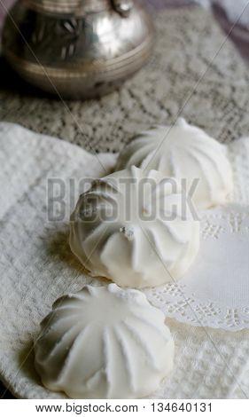 White Glazed Zephyr