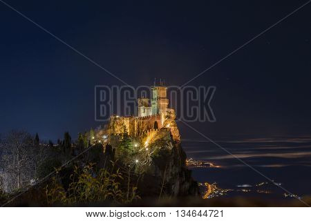 a night view of san marino castle