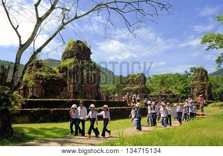 QUANG NAM. VIET NAM, November 24, 2015 student groups, walking, visiting the ruins of My Son Sanctuary, the ethnic Cham. from ancient