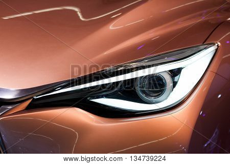 Infiniti Q30 Headlight