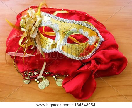 Golden Mask for carnival or theater use