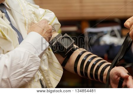 Jewish morning prayer typhlitis Jewish ceremony man