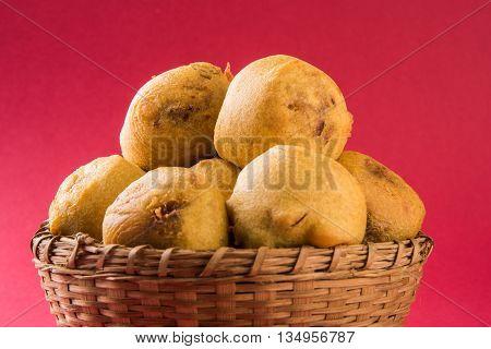 indian snacks also known as urad daal vada or indian pakoda or couth indian pakora or batata vada or aalu bonda or aalu bonde
