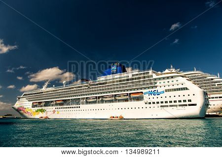 Big Cruise Ship Norwegian Sky