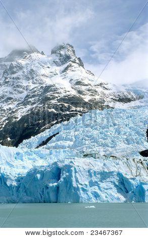 Glacier Spegazzini and a mountain