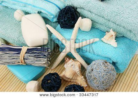 Handtücher und Dekoration