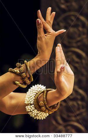 Aspara Celestrial Dancers Hand