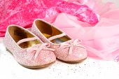 foto of pink shoes  - little girl - JPG