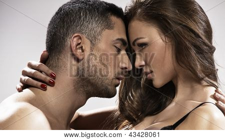 Temptiting couple