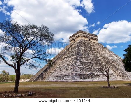 Mayan Pyramid At Chichen Itza