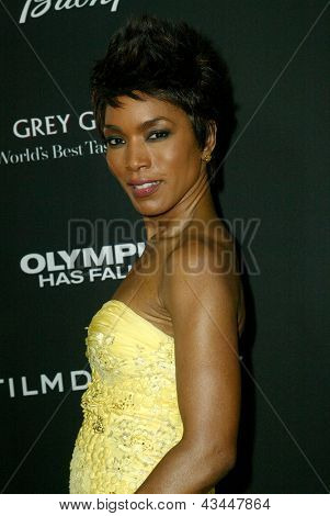 LOS ANGELES - MARCH 18: Angela Bassett arrives at the premiere of