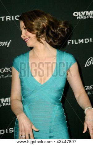 LOS ANGELES - MARCH 18: Ashley Judd arrives at the premiere of