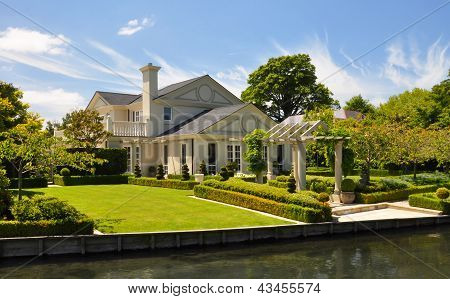 Beautiful House & Garden, Mona Vale Christchurch