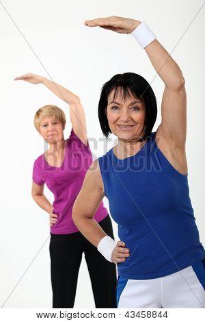 Women in gym class
