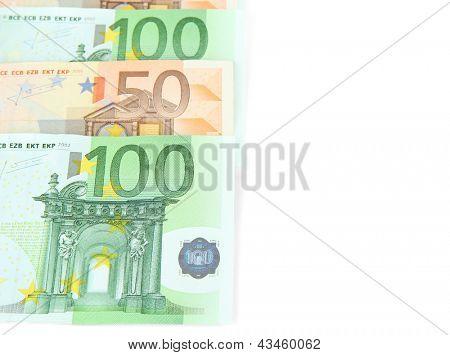 Isolado em um branco de notas de euro