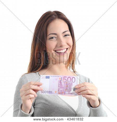 happy Woman zeigen eine fünfhundert-Euro-banknote