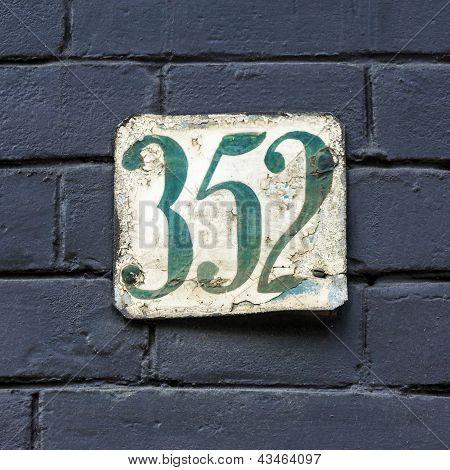 Nr. 352