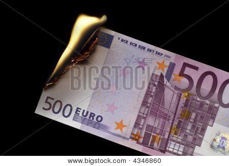 Burning 500 Euro